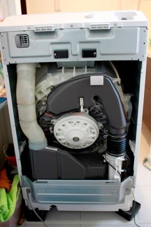 20150510洗濯機ヒートポンプ部の分解清掃01_背面.jpg