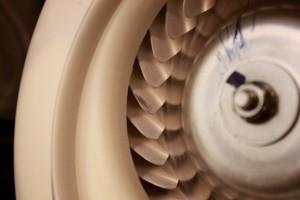 20150510洗濯機ヒートポンプ部の分解清掃10_ファンのフィン.jpg