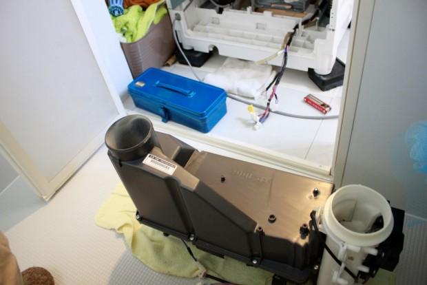 20150510洗濯機ヒートポンプ部の分解清掃06_ヒートポンプユニット.jpg