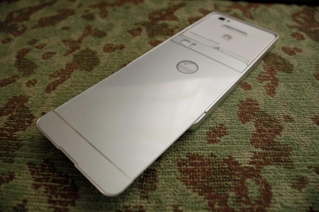 Huawei-P8lite_アルミバンパー取付