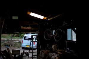 2015-11太陽光発電_LEDバーライト プラ段カバーありの点灯