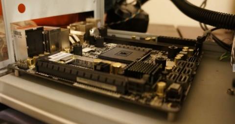 Asrock FM2A88X-ITX+へのCPUコア取り付け06仮置き