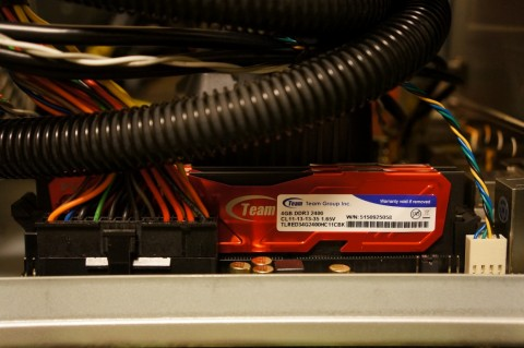 Asrock FM2A88X-ITX+へのCPUコア取り付け10メモリ